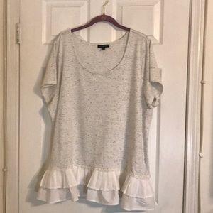 T shirt with ruffled hemline